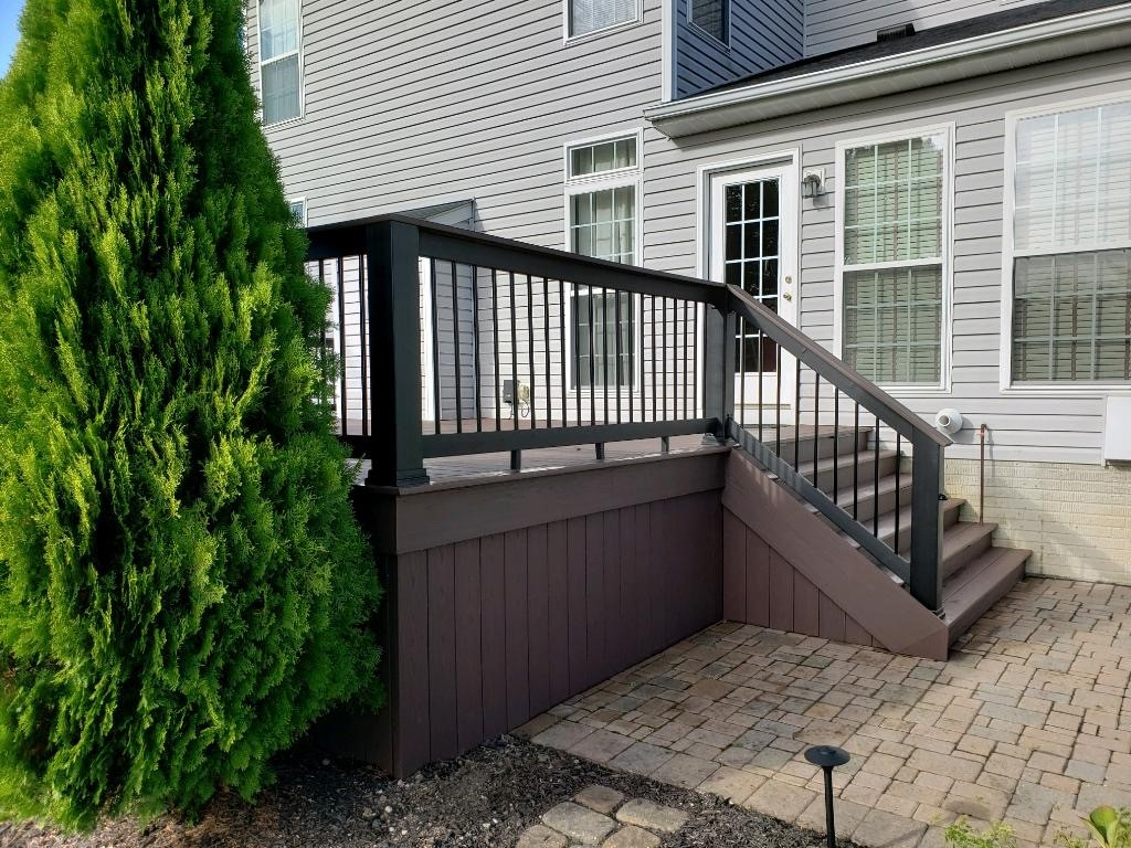 AZEK-low-maintenance-deck-by-Archadeck-of-Akron