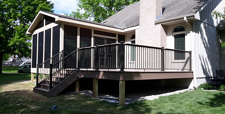 Blue Springs MO screened porch and deck