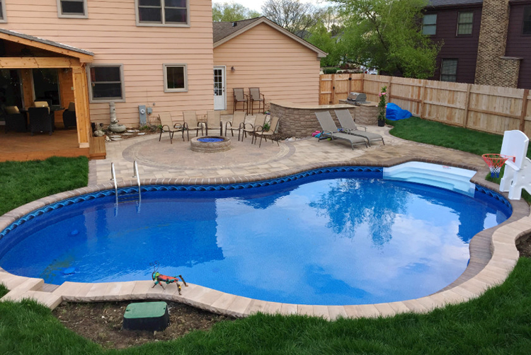 Chicagoland paver pool patio