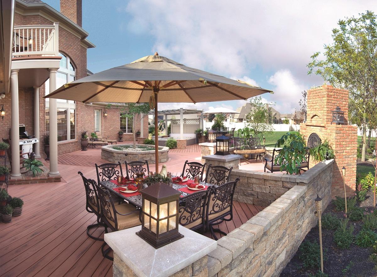 Outdoor Living Space Design custom outdoor living room
