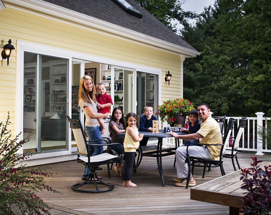 The-perfect-staycation-outdoor-space-for-family