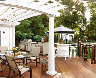 Deck-pergola-and-outdoor-kitchen-combination