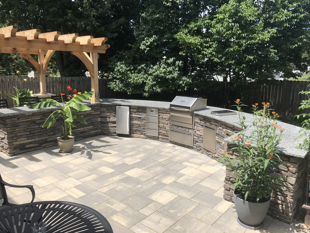 Wouldn't-a-patio-with-an-outdoor-kitchen-work-well-for-spending-time-outdoors-this-summer-?