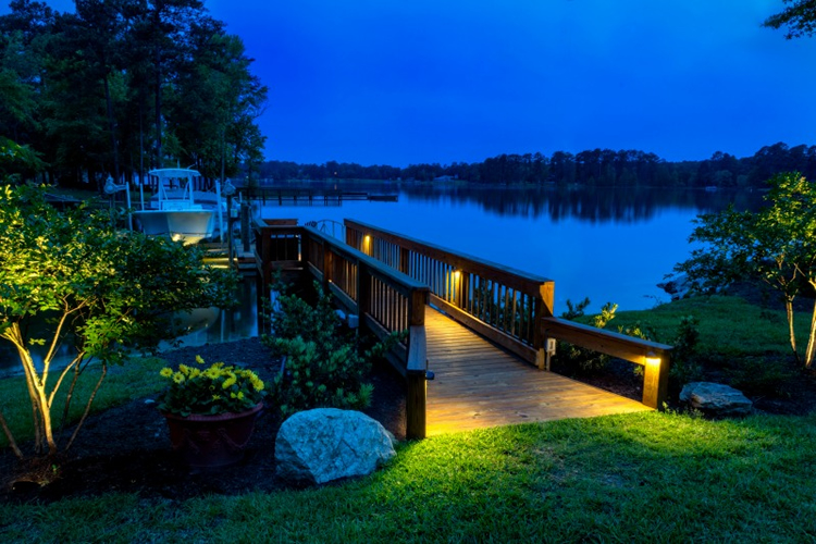 Lake Wylie dock lighting