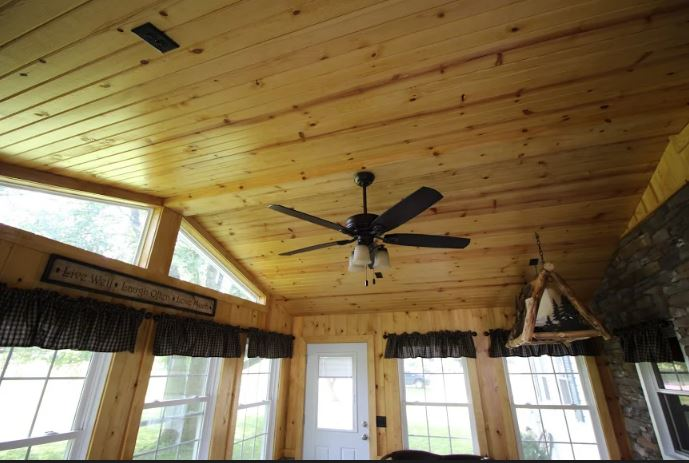 Beautiful-knotty-pine-ceiling-on-the-interior