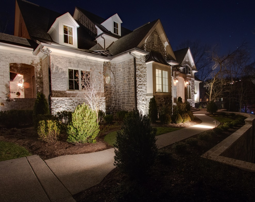 Outdoor-lighting-is-a-must-have-for-your-new-home
