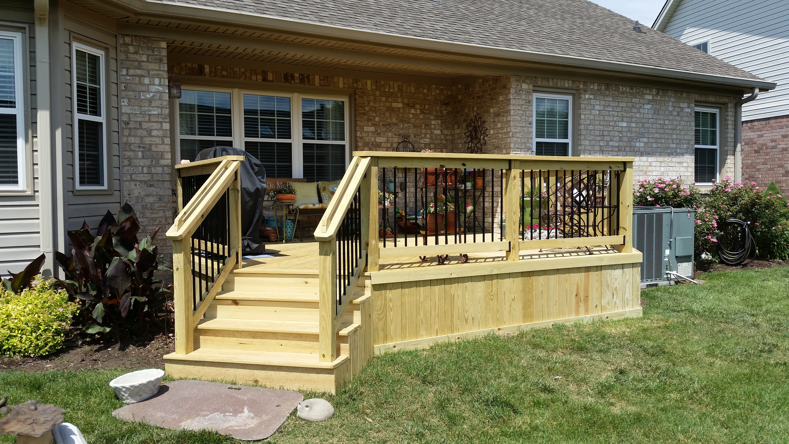 Many-homeowners-prefer-the-look-and-feel-of-a-classic-wooden-deck