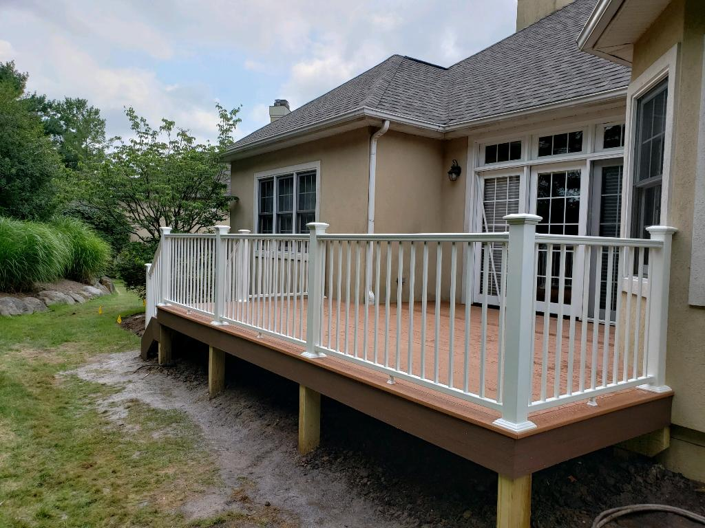 Deck-makeover-in-Cuyahoga-Falls-using-AZEK-decking