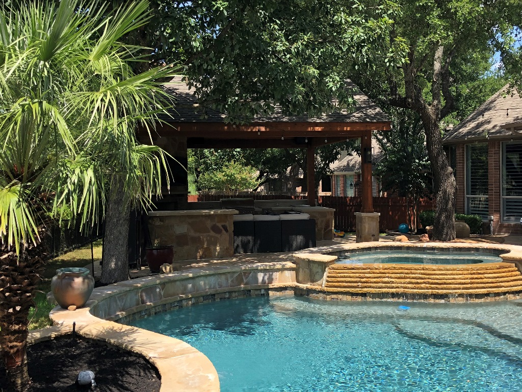 Lovely-poolside-caban-in-Round-Rock-TX