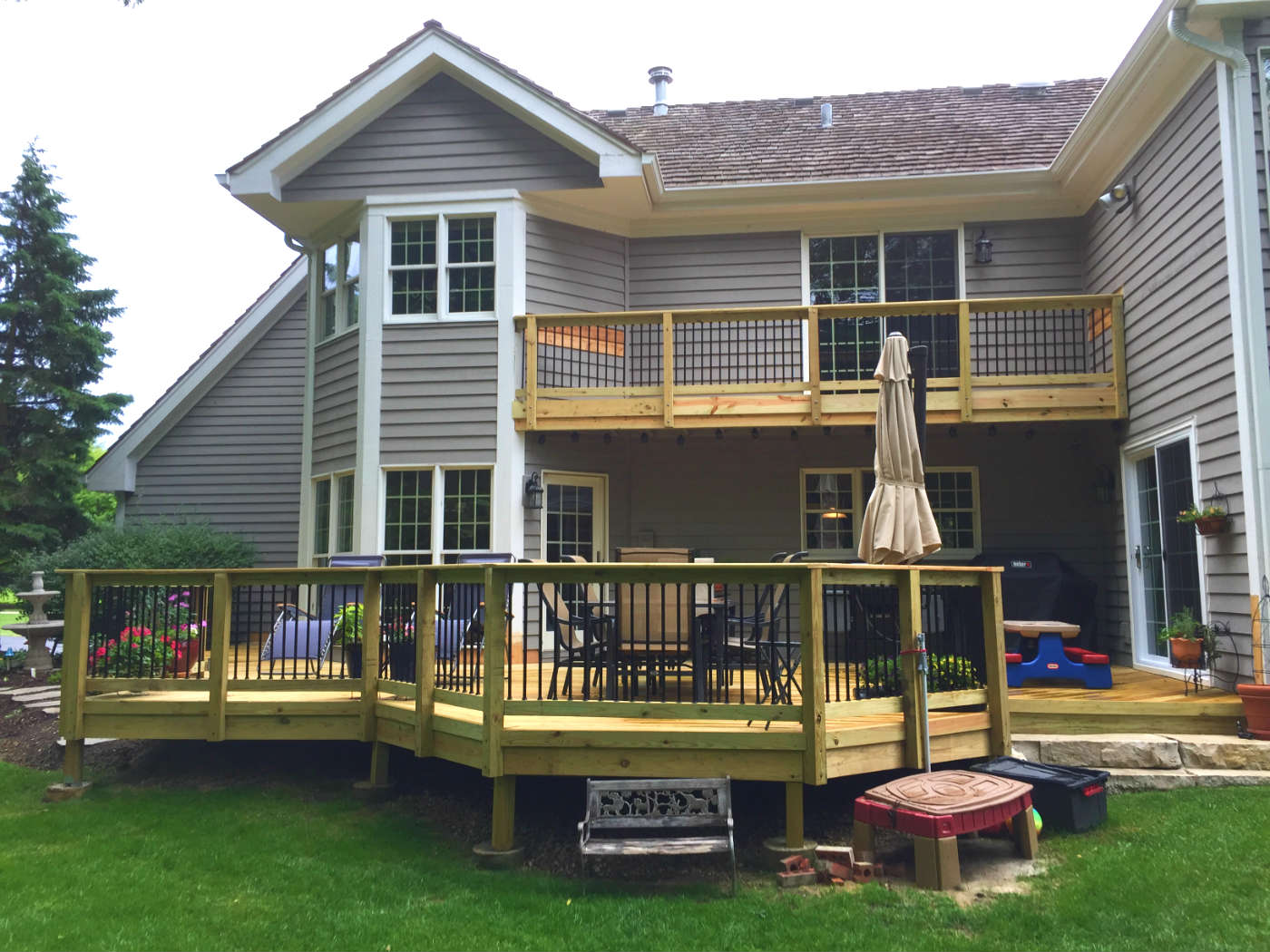 Barrington Deck Builder