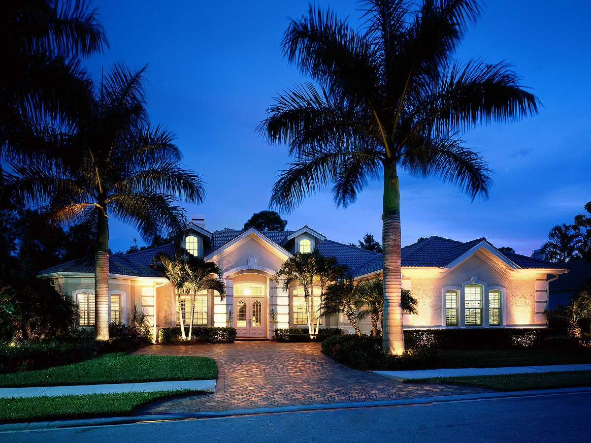 We-offer-versatile-ways-to-control-your-outdoor-lighting-system