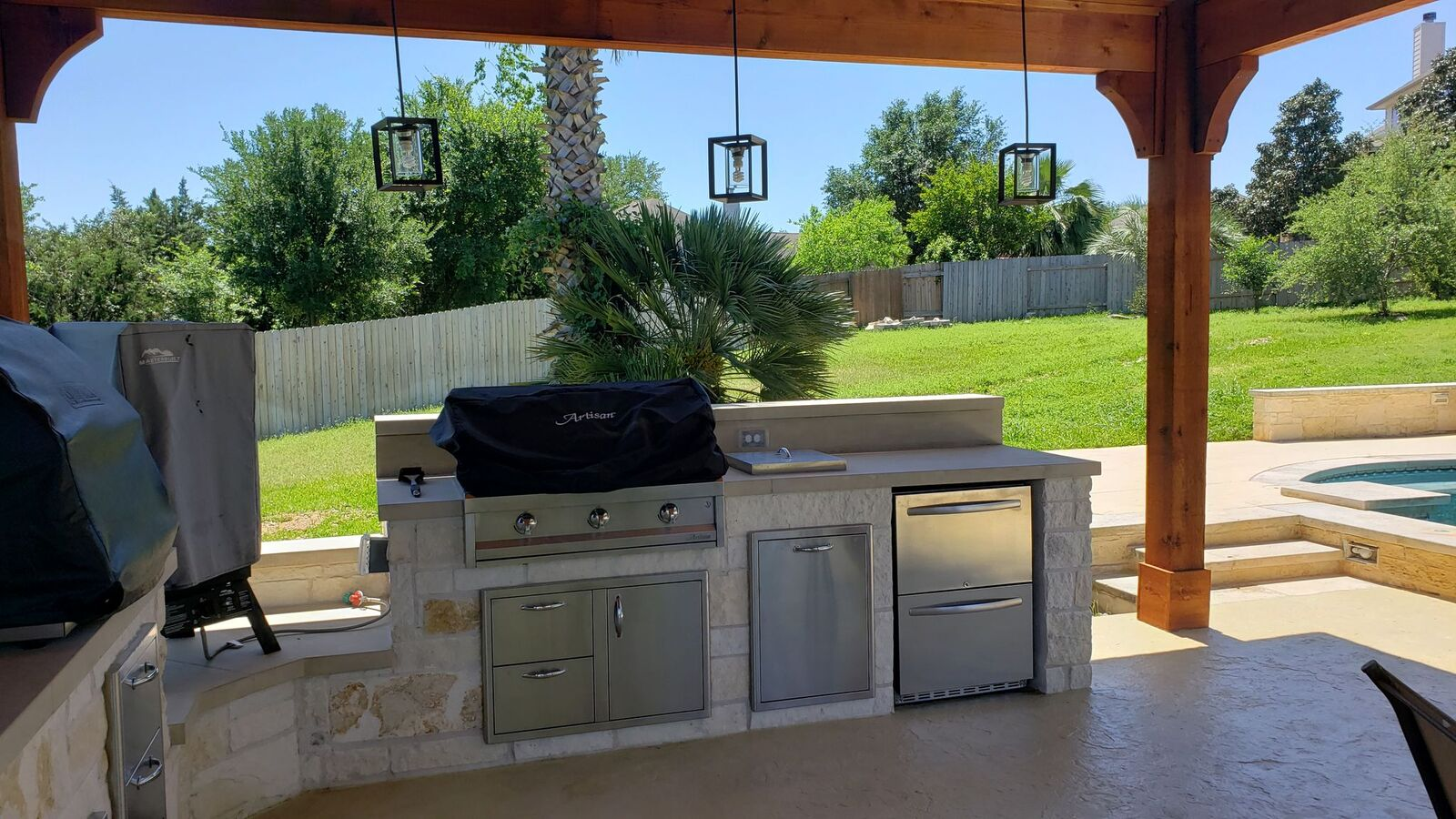 Look-at-this-amazing-outdoor-kitchen