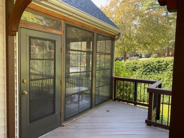 Timbertech-low-maintenance-deck-and-Eze-Breeze-outdoor-room