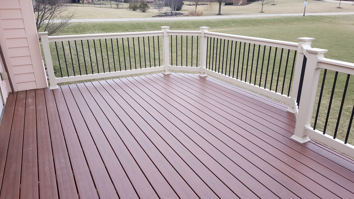 Low-maintenance-deck-in-Springboro-OH