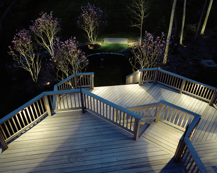 deck lighting for entertaining