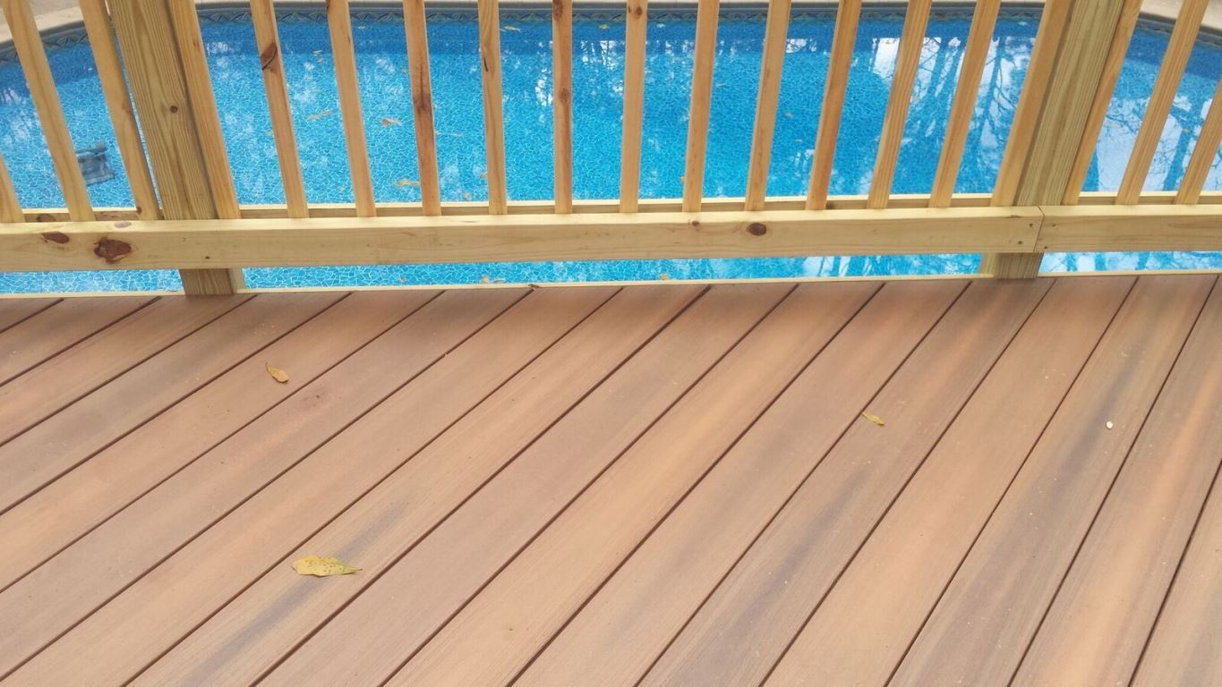 Bonaire-custom-deck-overlooking-pool