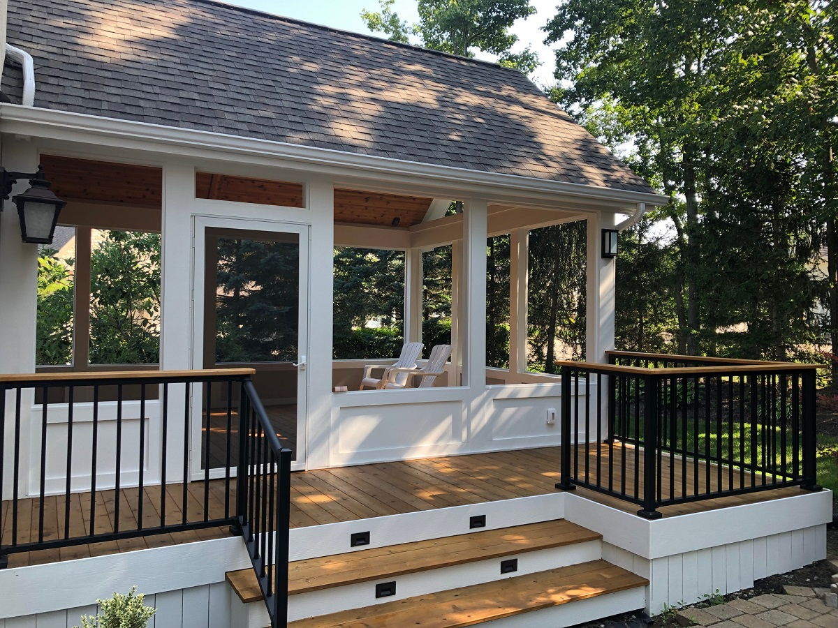 Powell-OH-custom-cedar-deck-and-screened-porch