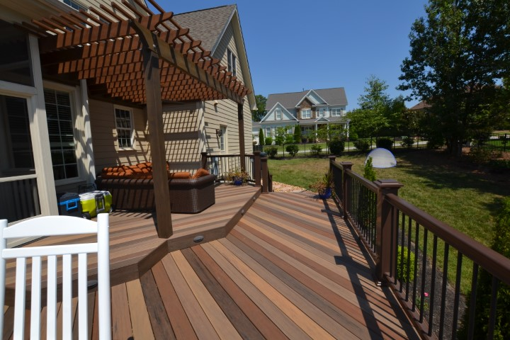 Raleigh multi-color composite deck gives tropical resort feel
