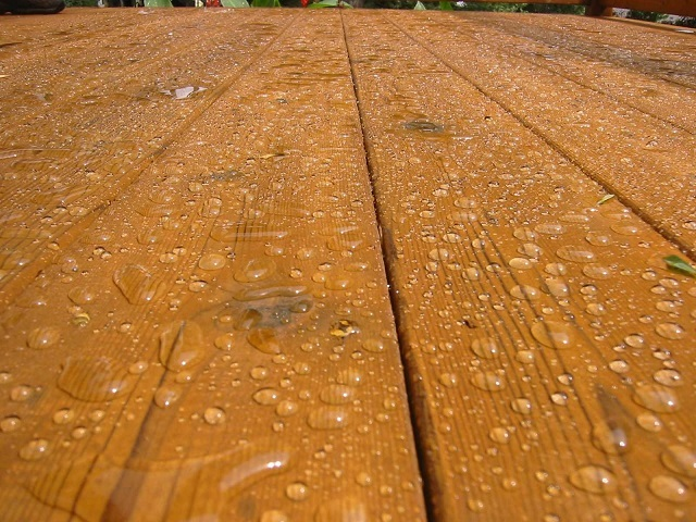 professional deck sealing for waterproofing