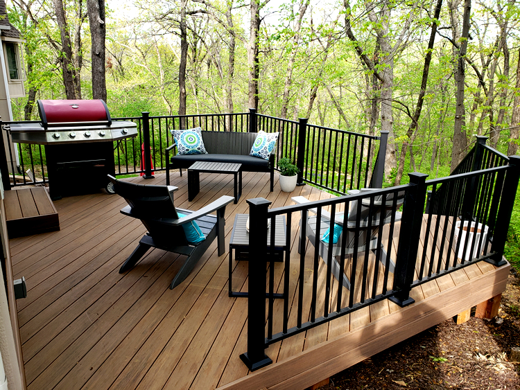 new composite deck in Lee's Summit, MO