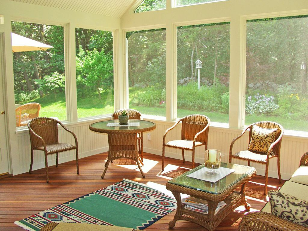 Byfield ma three season room and deck
