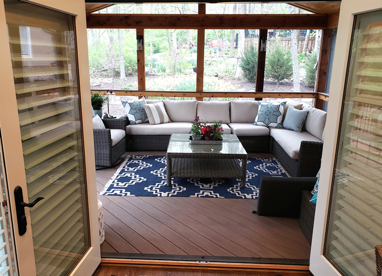 Is this Lee's Summit screened porch a 3-season room?