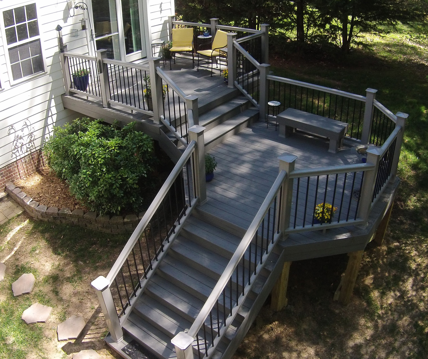 Durham Multi Level%20Timber Tech%20Deck%20With%20Modern%20Design
