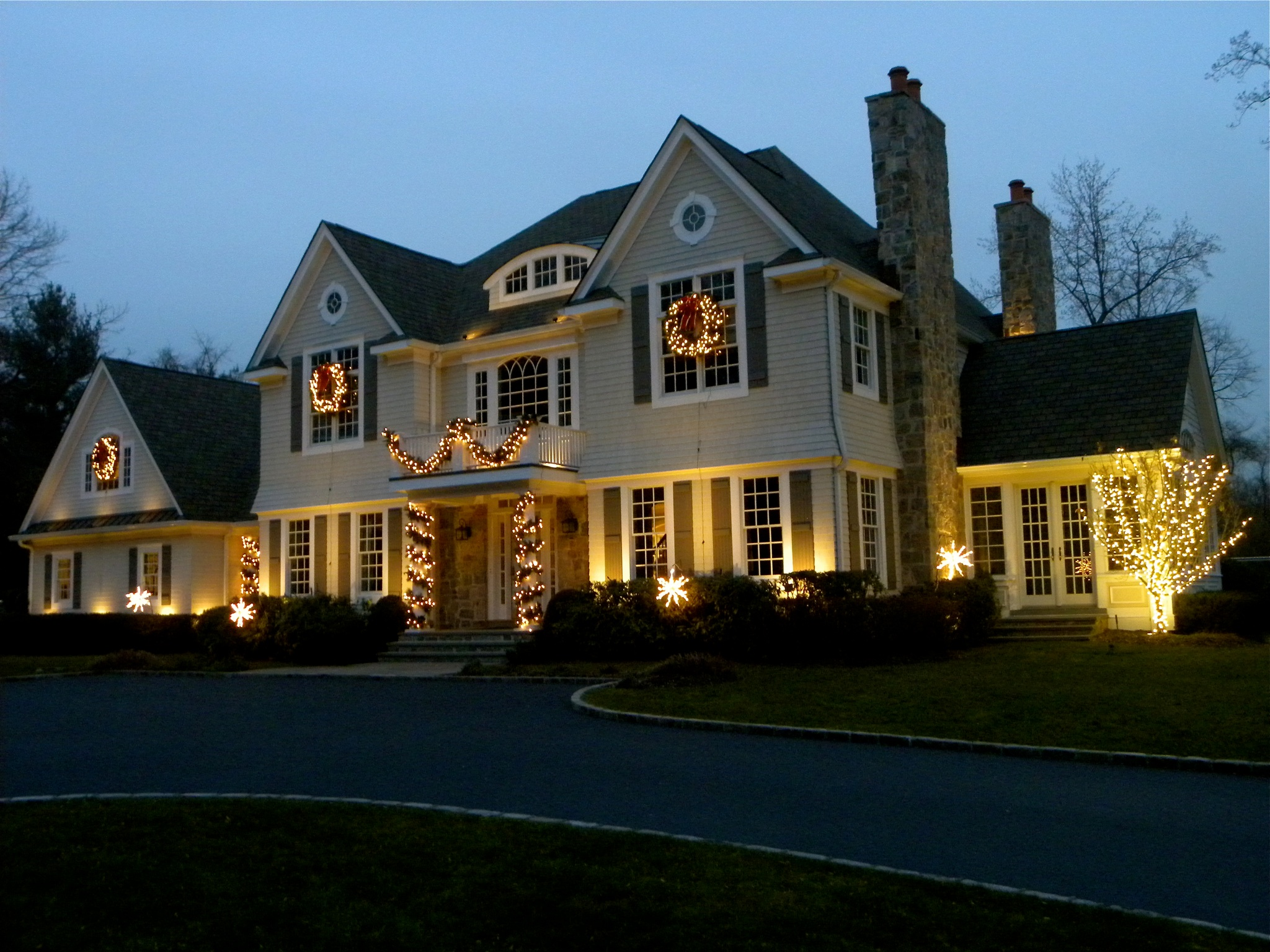 Exterior Lighting: New Jersey Holiday Outdoor Lighting