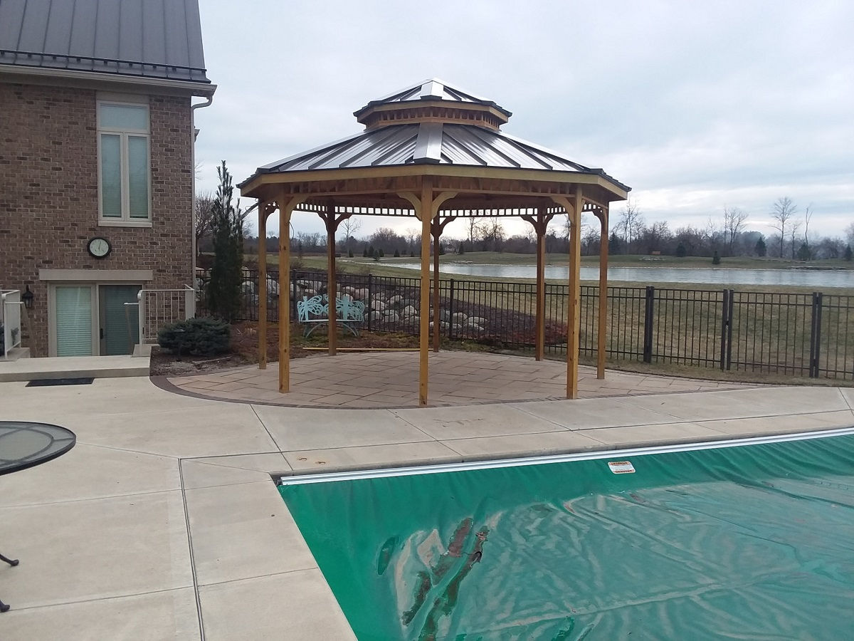 Shade-loving-custom-poolside-pergola-in-Washington-Township