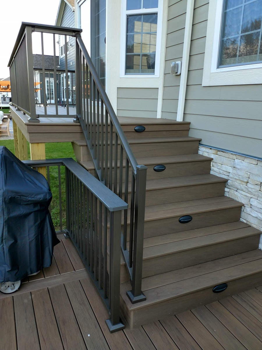 Westerville-TimberTech-deck-with-integrated-lighting