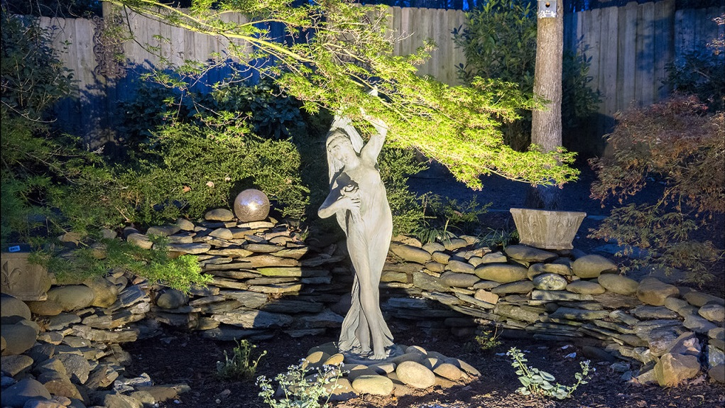 Seattle Landscape Lighting Sculptures