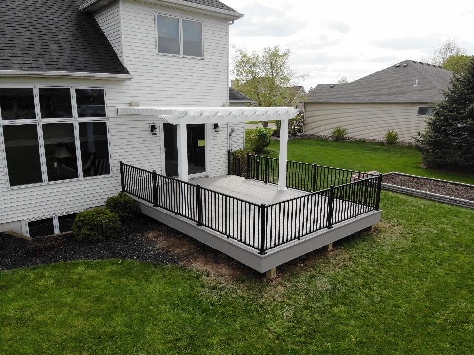 Beautiful-new-AZEK-deck-in-Decatur-IN