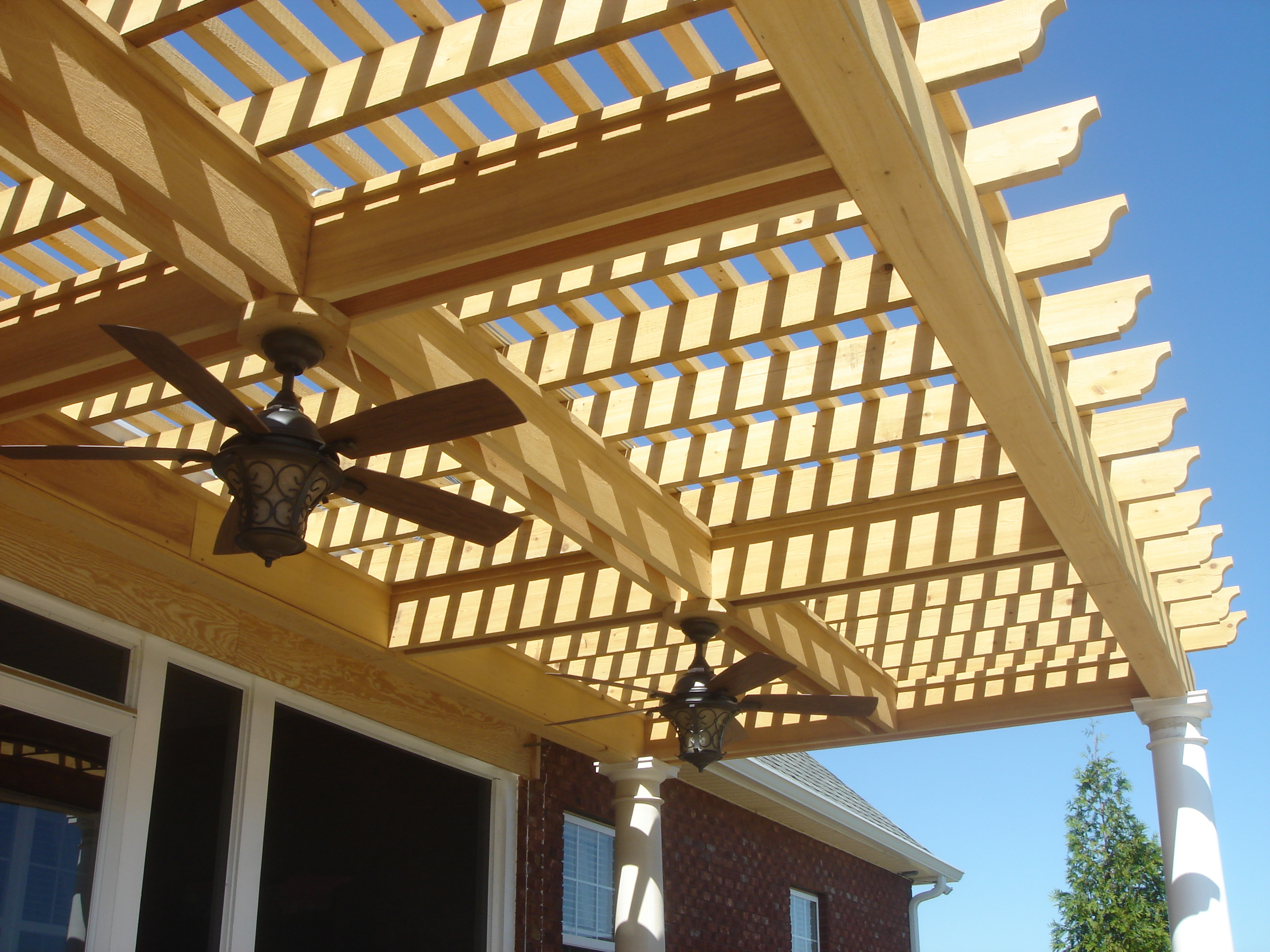 Custom-wooden-pergola-in-Kathleen-GA-with-double-ceiling-fans