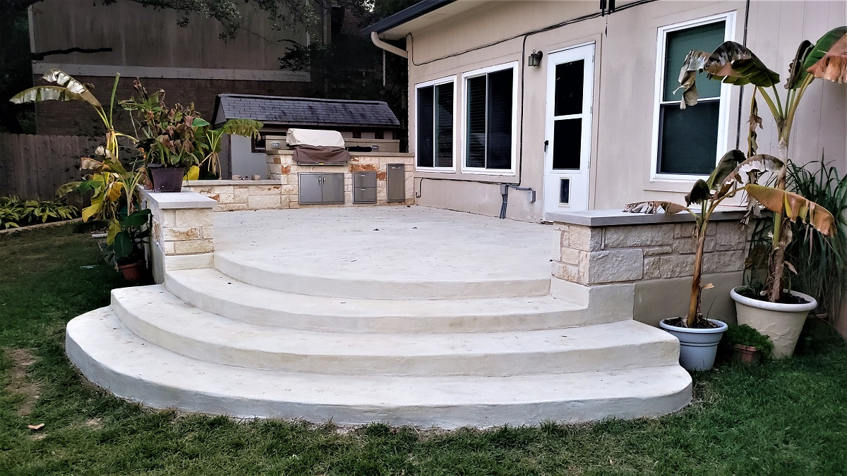 New-patio-and-outdoor-kitchen-addition-in-Round-Rock