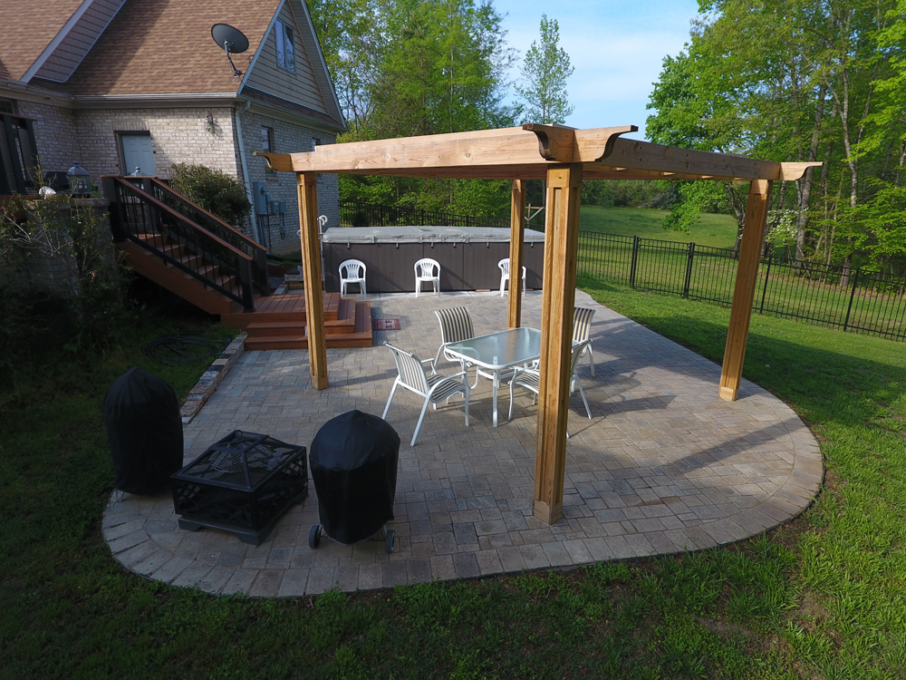 An Arcadia U201cAdjust A Pergolau201d Offers Flexible Shade Options, Perfect For  Maximizing The Function Of A Patio Or Deck During A Variety Of Weather  Conditions.