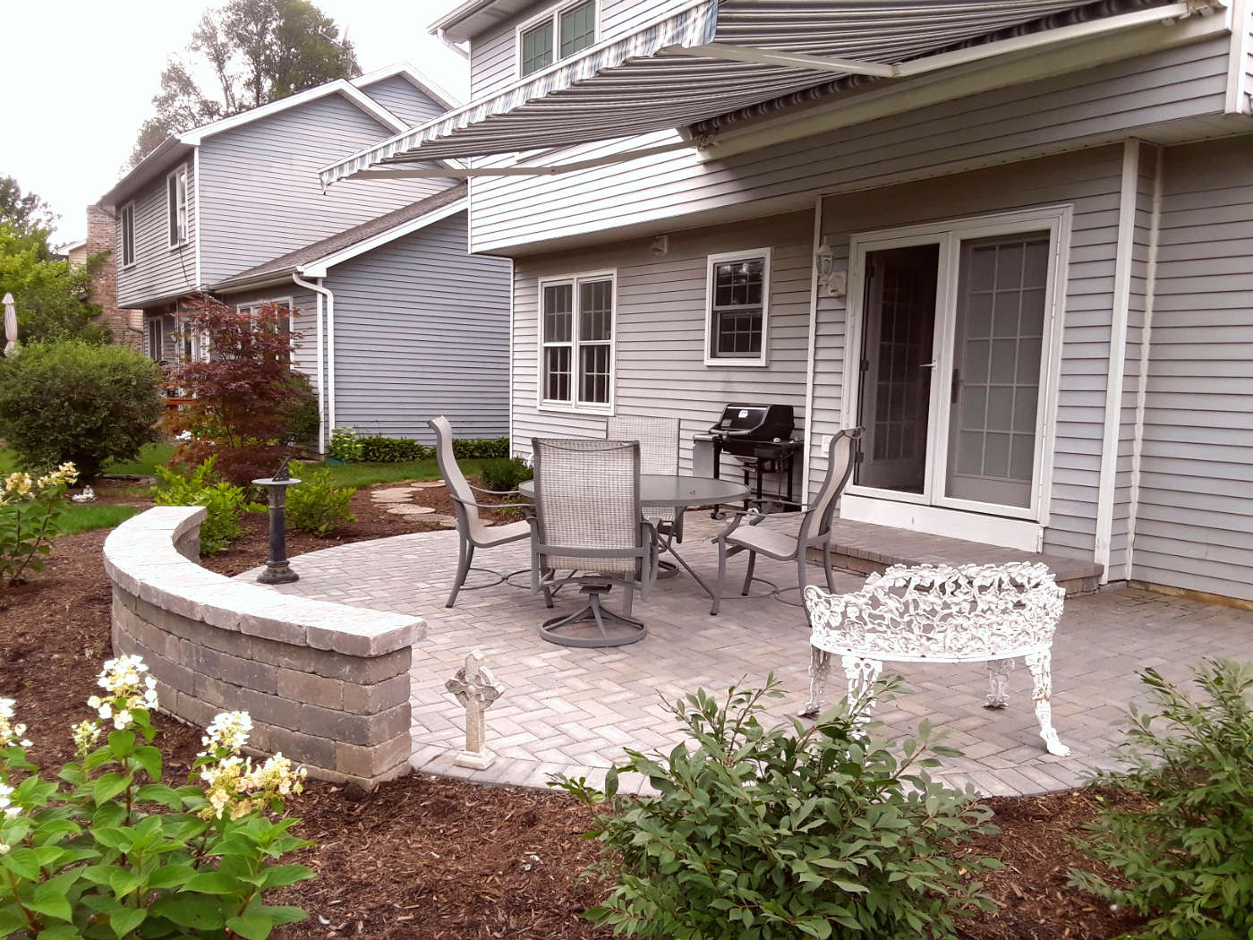 Belgard Paver Patio Design by Wheaton, IL Patio Designer Thumbnail